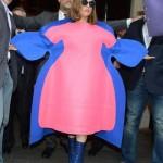 لیدی گاگا با لباس عجیب